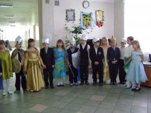 Учащиесчя МКОУ МСОШ № 1 г. Мосальска поздравили мужчин дома-интерната с 23 февраля.